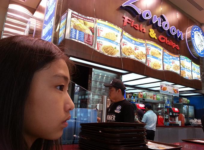 国際色溢れるフードコート(Food court cosmopolitan.)