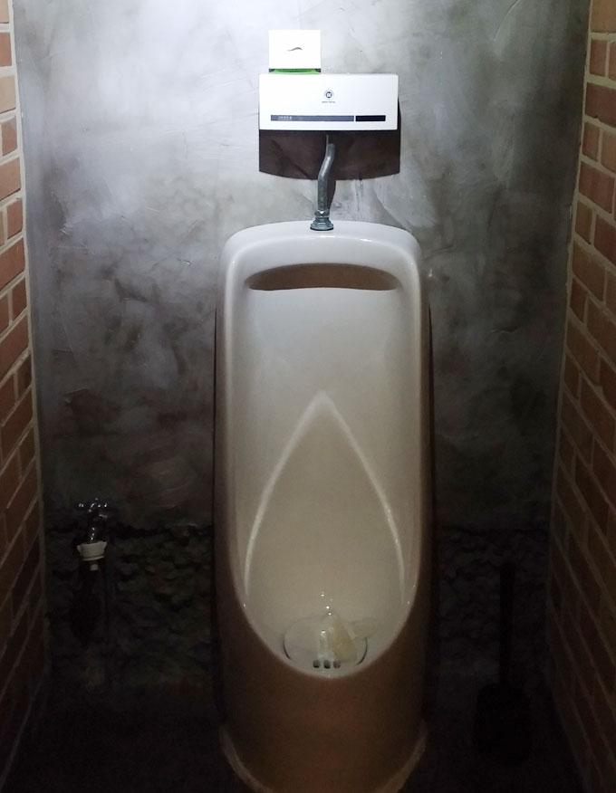 1階のトイレ - Inno Hostel & Pub Lounge Hongdaeの朝