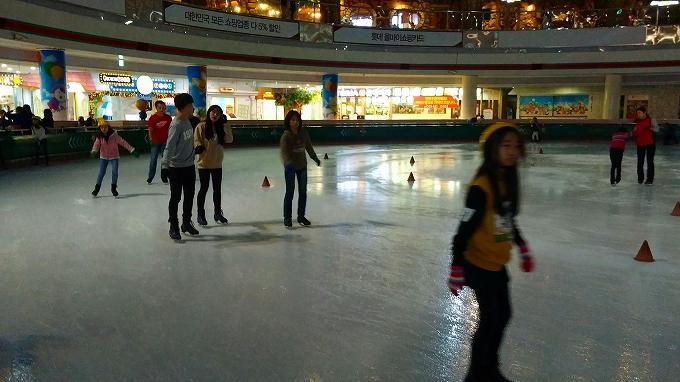 姐姐も体慣らし。 - アイススケートリンク(Lotte World.)