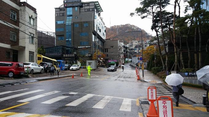 ソウルメトロ4号線・明洞駅 - 明洞へ(The way to Myeong-dong.)