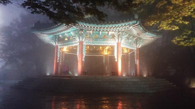 中国廟のような東屋が出現。 - 南山ケーブルカー(N Seoul Tower.)