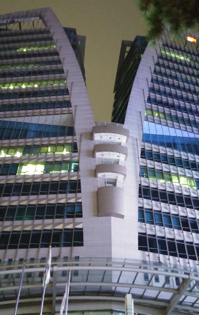 中央郵便局 - 明洞の夜(Night in Myeong-dong.)