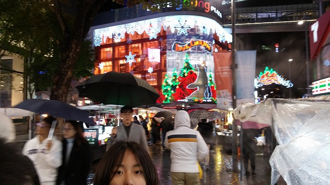明洞の夜(Night in Myeong-dong.)
