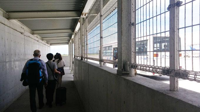 空港内バス移動