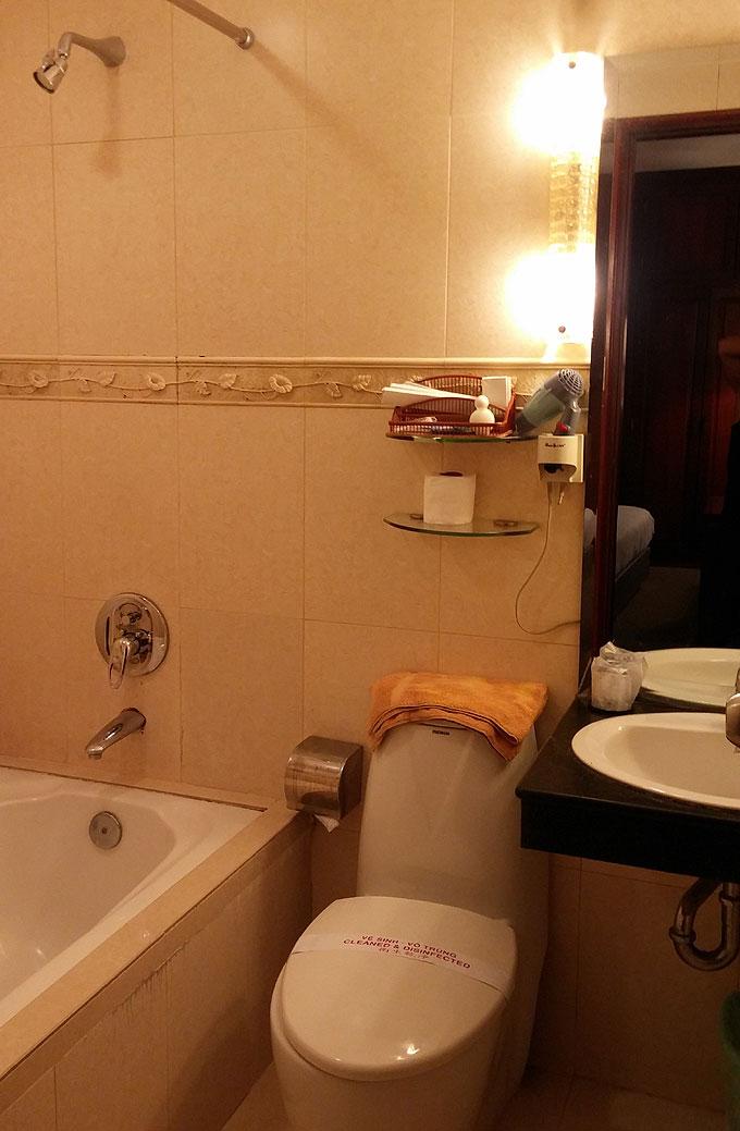 ホテルのバストイレ
