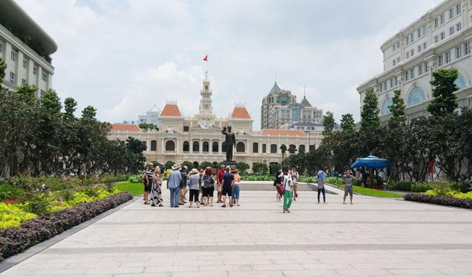 グエンフエ通り(Square walk Nguyen Hue)