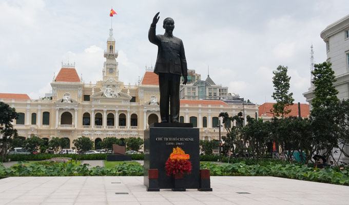 Ho Chi Minh像