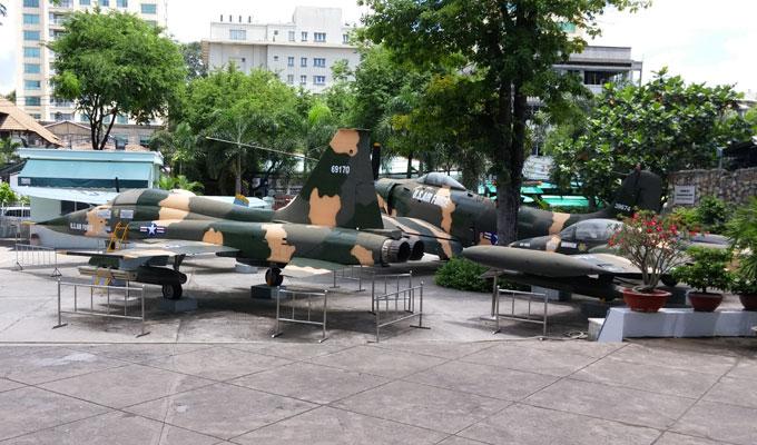 戦争証跡博物館(War Remnants Museum.)-当時使用された戦闘機。