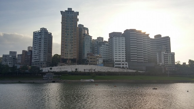 台湾・新北市新店。碧潭風景区・新店溪