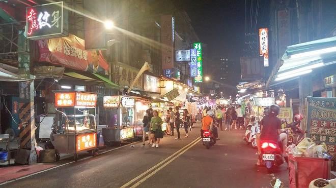 台湾・新北市・板橋区。南雅夜市/板橋湳雅観光夜市