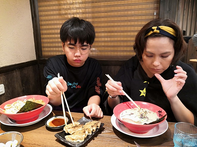那覇空港内「東京豚骨拉麺ばんから」。